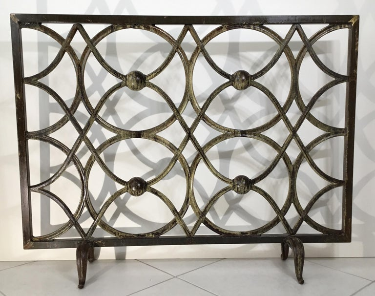 Cast Iron Fireplace Screen In Good Condition For Sale In Delray Beach, FL
