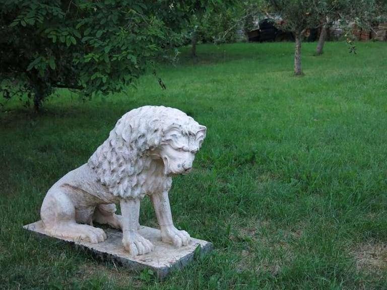 20th Century Cast Stone Renaissance Lion, Weathered White Antonio Canova Style, 1900s