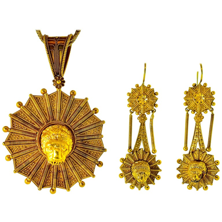 Castillani Etruscan Revival Pendant or Brooch and Matching Earrings, circa 1860 For Sale