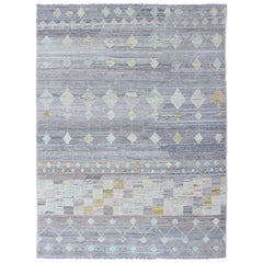 Casual Modern Design Rug in Light Grey and Pops of Colors for Modern Interiors