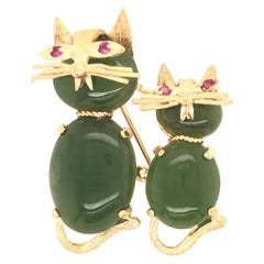 Cat and Kitten Jade Bodies with Ruby Eyes Yellow Gold Brooch Pin