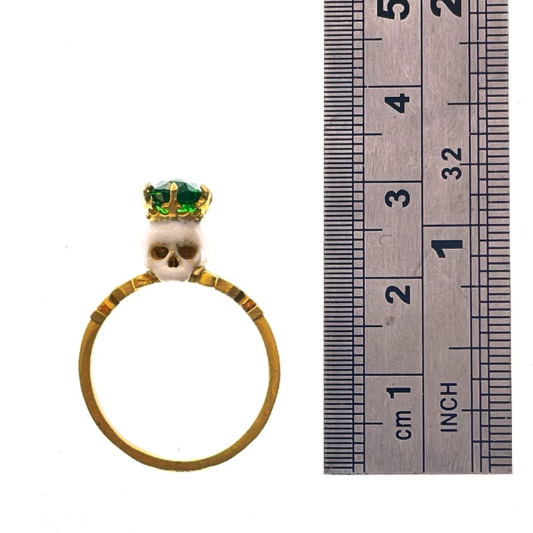 Catacomb Saint Skull Ring in 22 Karat Yellow Gold, Enamel and Tsavorite Garnet 9