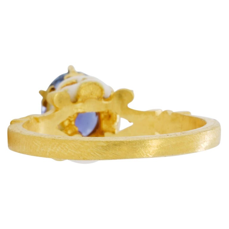 Catacomb Saint Skull Ring in 22 Karat Gold, Enamel and Violet Blue Sapphire For Sale 1
