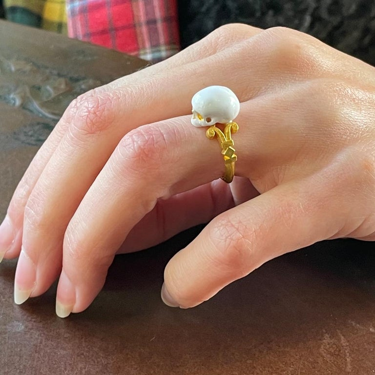 Catacomb Saint Skull Ring in 24 Karat Yellow Gold and Enamel For Sale 5