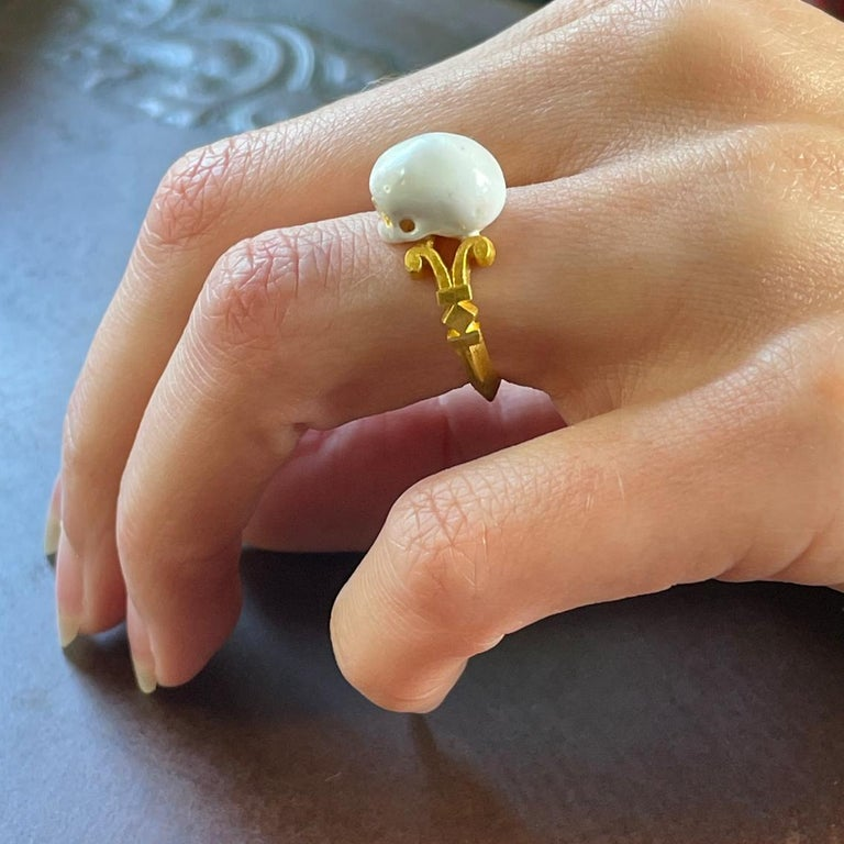 Catacomb Saint Skull Ring in 24 Karat Yellow Gold and Enamel For Sale 7
