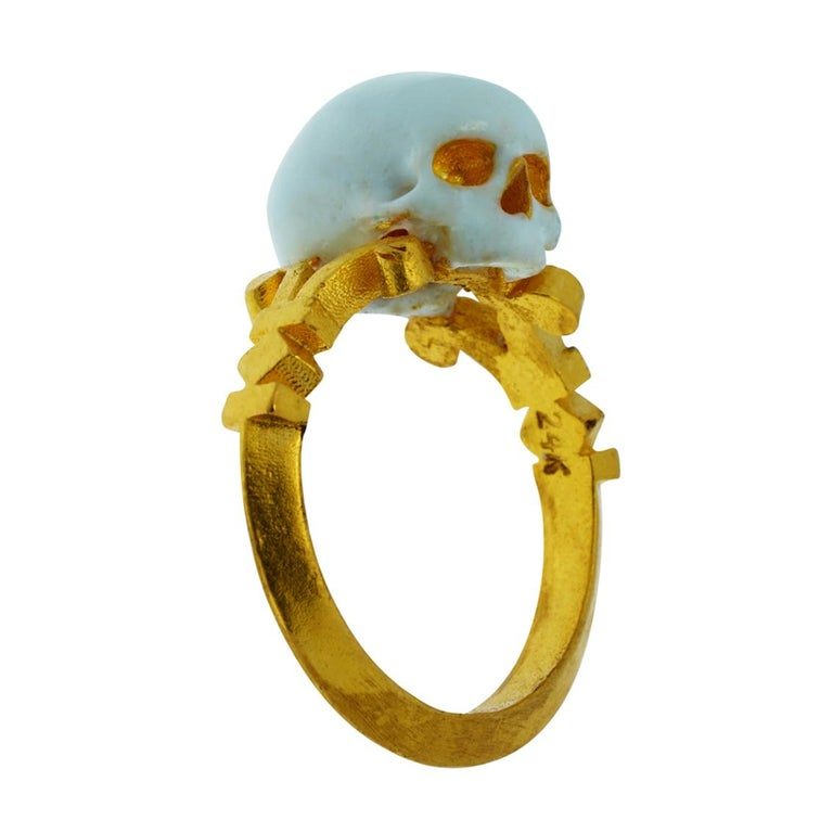 Catacomb Saint Skull Ring in 24 Karat Yellow Gold and Enamel For Sale 2