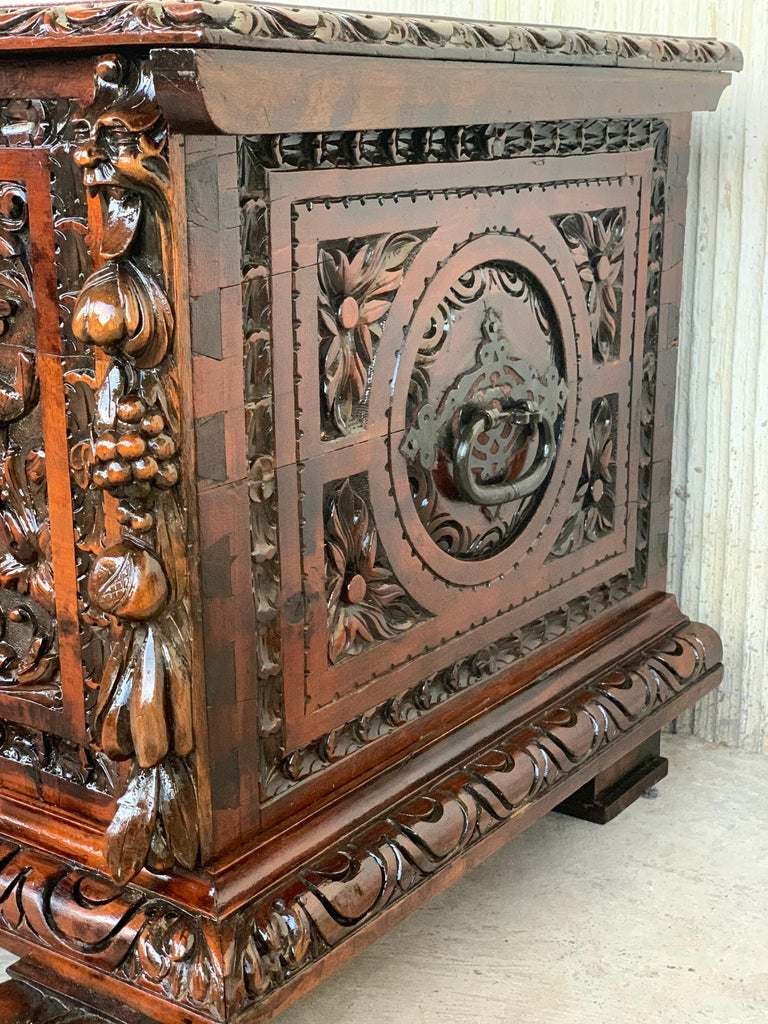 Catalan Baroque Carved Walnut Cassone or Trunk, 18th Century In Good Condition For Sale In Miami, FL