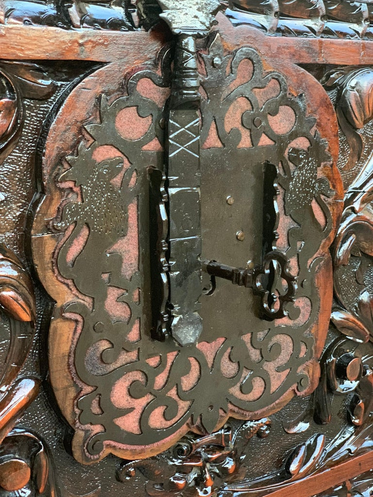 Catalan Baroque Carved Walnut Cassone or Trunk, 18th Century For Sale 2