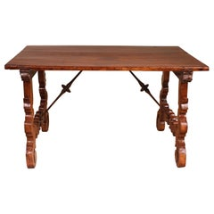 Catalan Table in Walnut 17th Century, Spain