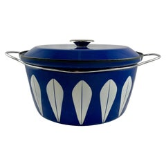 Cathrineholm Midcentury Scandinavian Modern Lotus Enamel White/Blue Dutch Oven