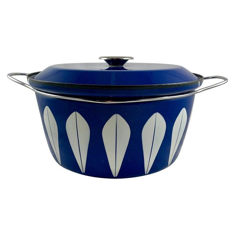 Cathrineholm Midcentury Scandinavian Modern Lotus Enamel White/Blue Dutch Oven For Sale