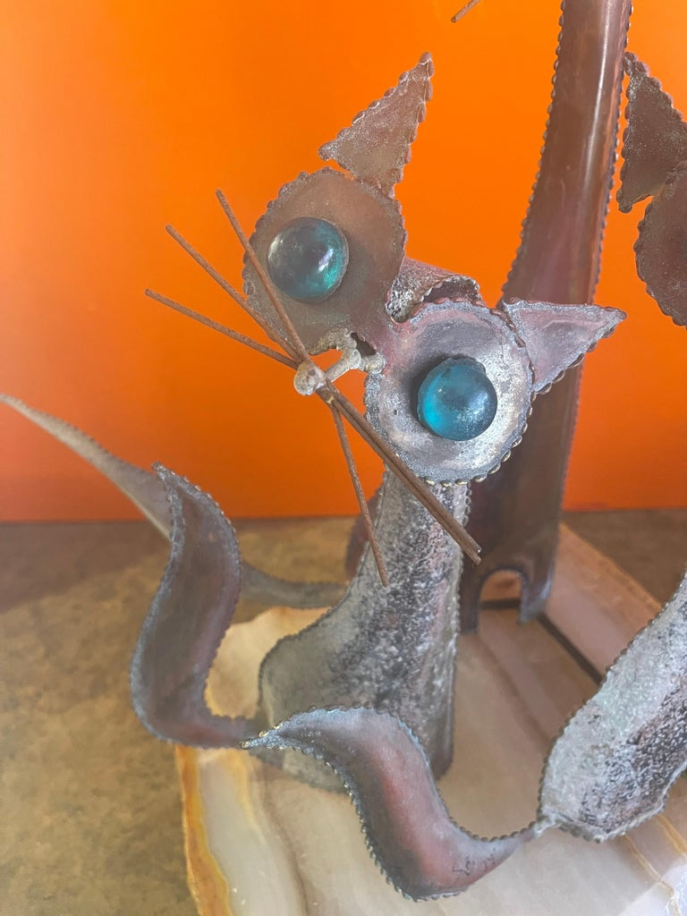 American Cats Sculpture on Onyx Base in the Style C. Jere For Sale