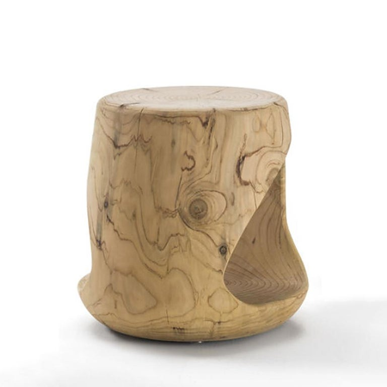 Cavity Stool in Solid Natural Cedar Wood In New Condition For Sale In Paris, FR
