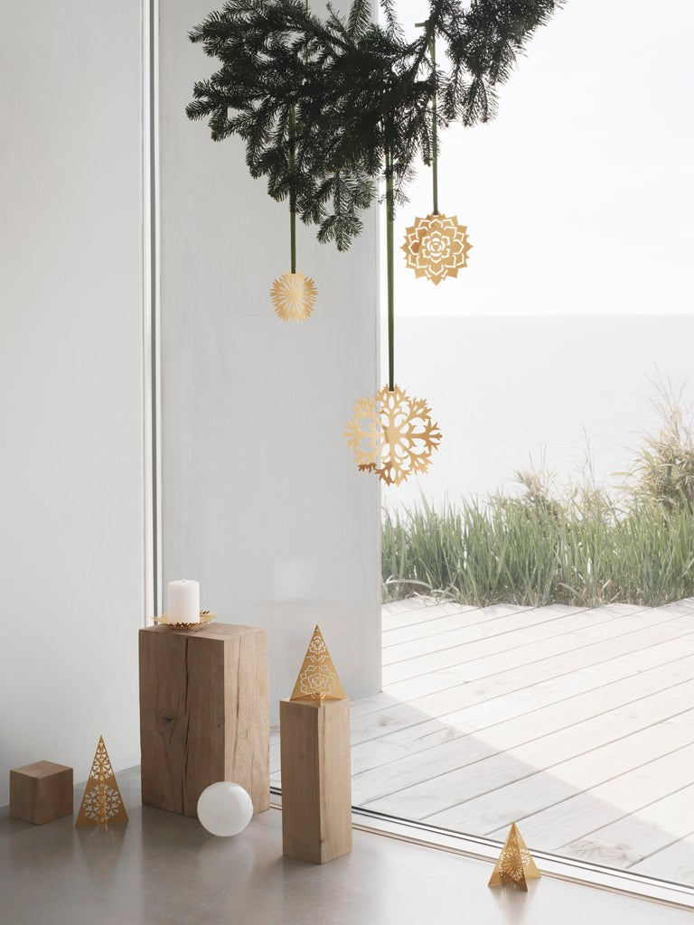 Danish CC 2020 Holiday Ornament Ice Rosette Palladium For Sale