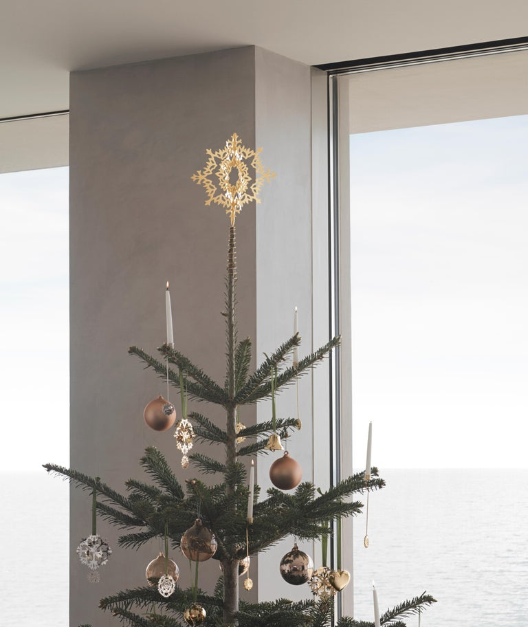 CC 2020 Holiday Ornament Ice Rosette Palladium For Sale 1
