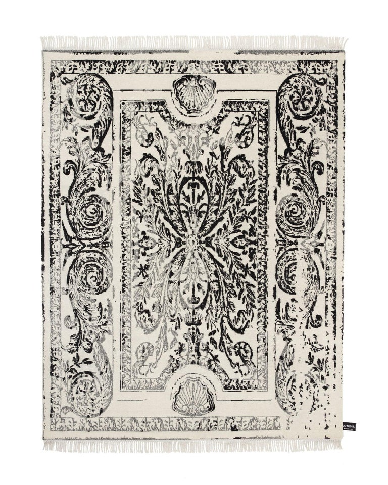 CC Tapis Traces De Savonnerie Black and White Rug In Good Condition For Sale In New York, NY
