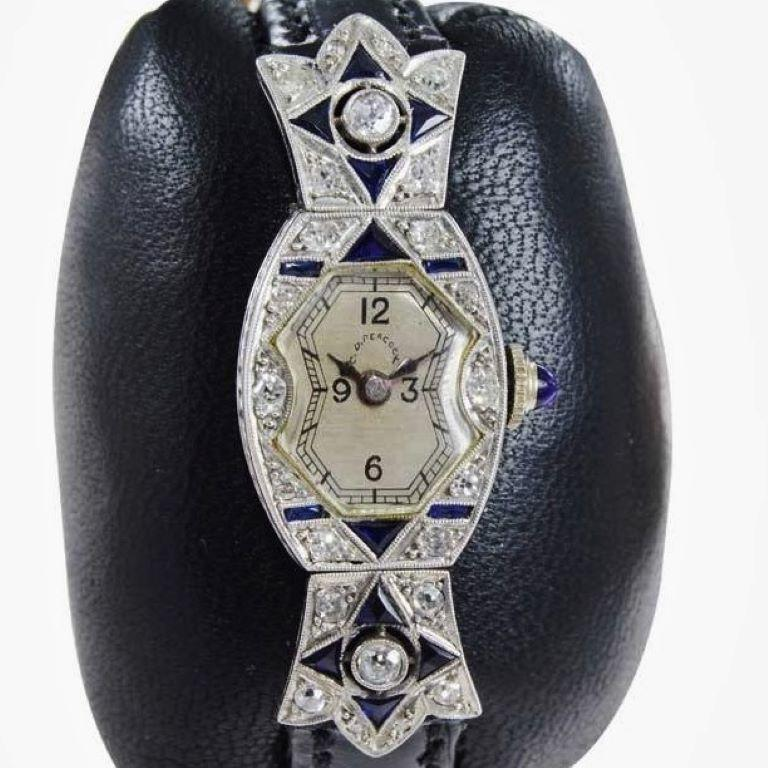 C.D. Peacock Art Deco Platinum Diamond Ladies Dress Watch, circa 1930s In Excellent Condition For Sale In Long Beach, CA