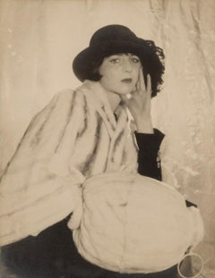 Meraud Guinness, 1930s - Cecil Beaton (Fashion Portrait Photography)