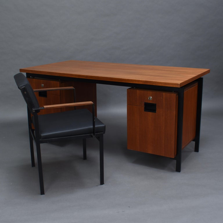 Cees Braakman for Pastoe Model EU02 Japanese Series Desk and Chair in Teak, 1950 In Good Condition For Sale In Pijnacker, Zuid-Holland