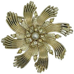 Ceil Chapman 1950s Gold + Pearl + Rhinestone Large Vintage 50s Brooch Pin
