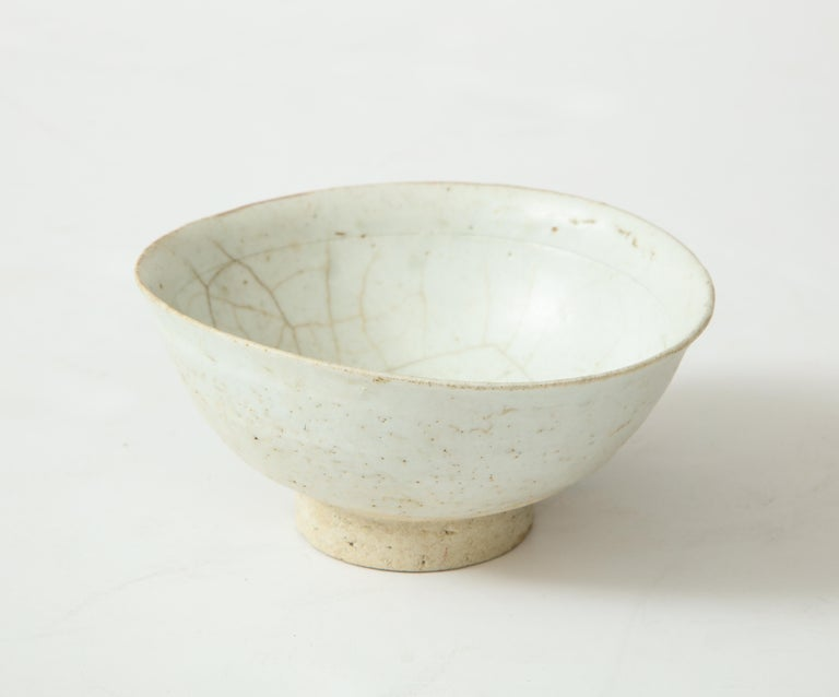 18th Century and Earlier Celadon Porcelain Bowl, Attributed to Chosen Period, Korea For Sale