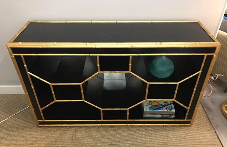 Celerie Kemble for Henredon Black & Gold Faux Bamboo Console Table Credenza Bar In Excellent Condition For Sale In West Hartford, CT