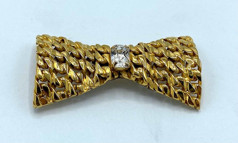 Celine 1990s Gold Bow Brooch In Good Condition For Sale In New York, NY
