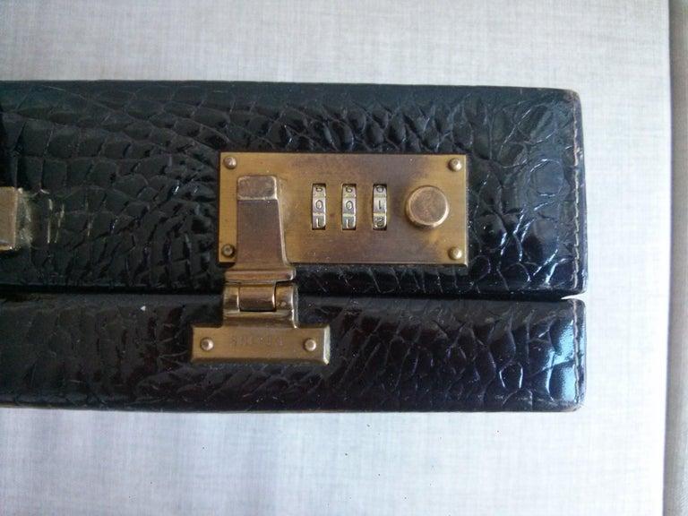 CÉLINE 24-hour Briefcase in Wild Burgundy Brown Crocodile Leather  In Good Condition For Sale In Somo (Santander), ES