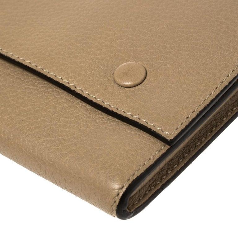 Celine Beige Leather Large Multifunction Flap Wallet For Sale 2