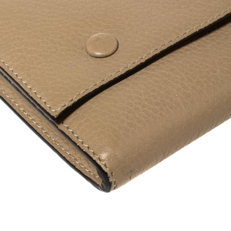 Celine Beige Leather Large Multifunction Flap Wallet For Sale 3