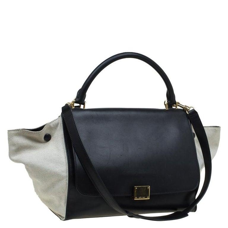 Women's Celine Black/Beige Leather and Canvas Medium Trapeze Bag For Sale