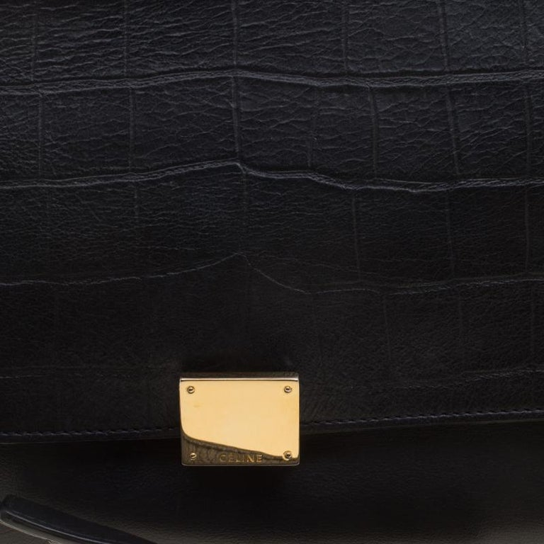 Celine Black Croc Embossed Leather and Suede Medium Trapeze Bag For Sale 2