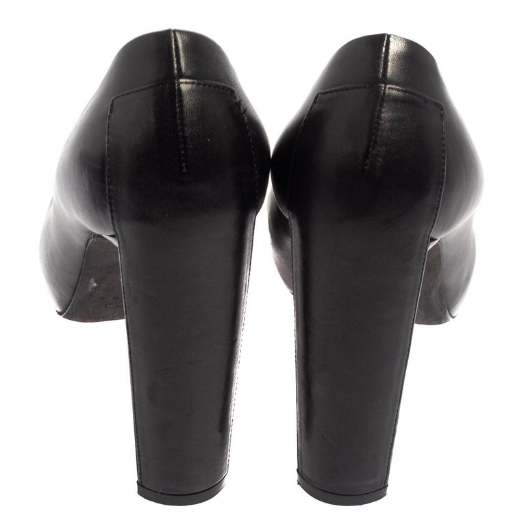 Celine Black Leather Block Heel Pumps Size 37 In Good Condition For Sale In Dubai, Al Qouz 2