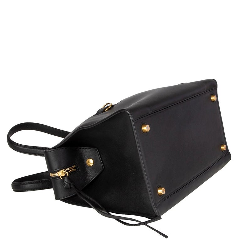 CELINE black leather RING SMALL Top Handle Bag In Excellent Condition For Sale In Zürich, CH