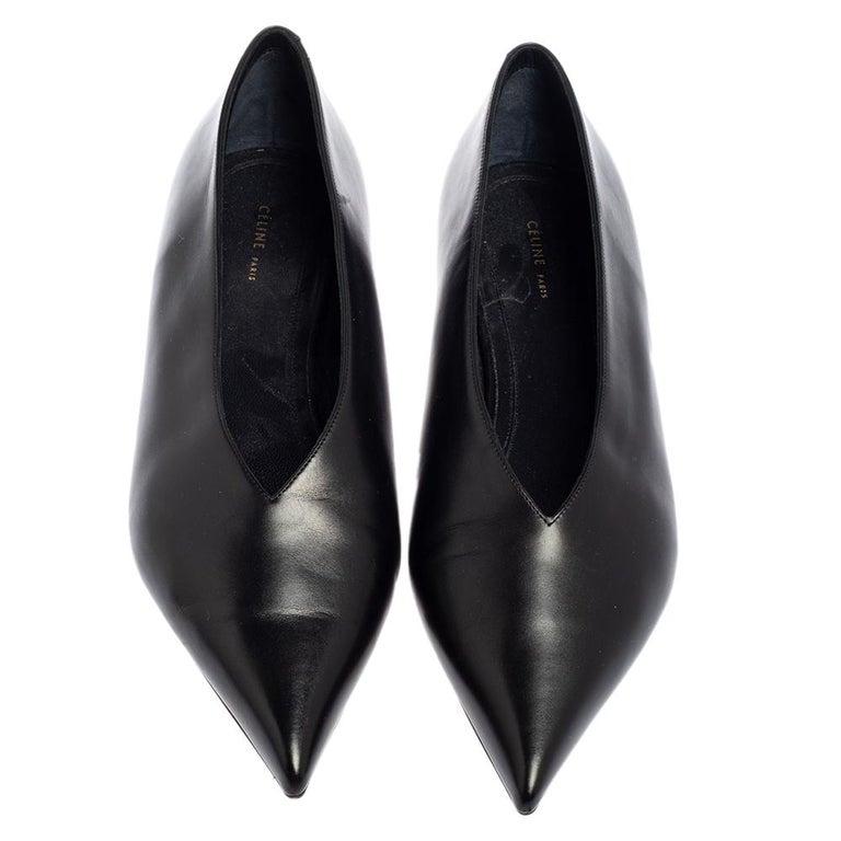 Women's Celine Black Leather V-Neck Ballet Flats Size 37.5 For Sale