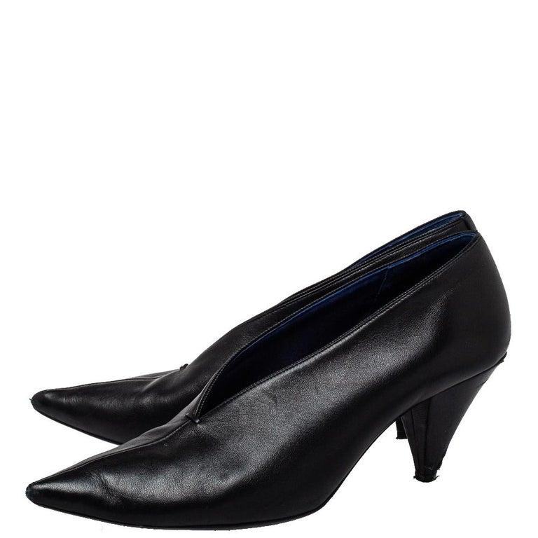 Celine Black Leather V Neck Pointed Toe Pumps Size 37.5 For Sale 1