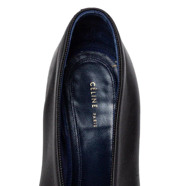 Celine Black Leather V Neck Pointed Toe Pumps Size 37.5 For Sale 3