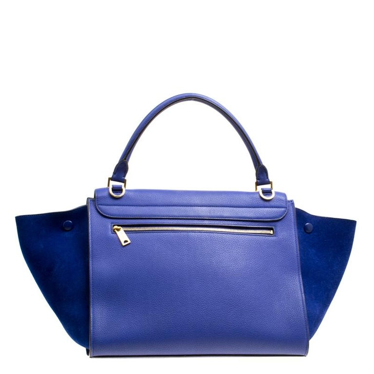 In every stride, swing, and twirl, your audience will gasp in admiration at the beautiful sight of this Celine bag. Crafted from leather and suede in Italy, the blue bag has a style that will catch glances from a mile. It has been designed with the