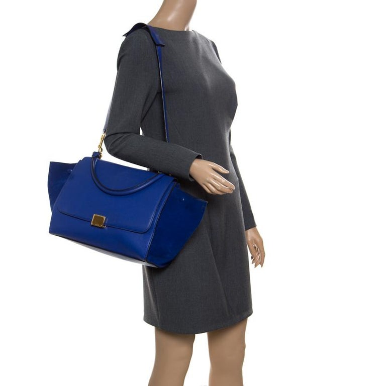 Celine Blue Leather and Suede Medium Trapeze Bag In Good Condition For Sale In Dubai, Al Qouz 2
