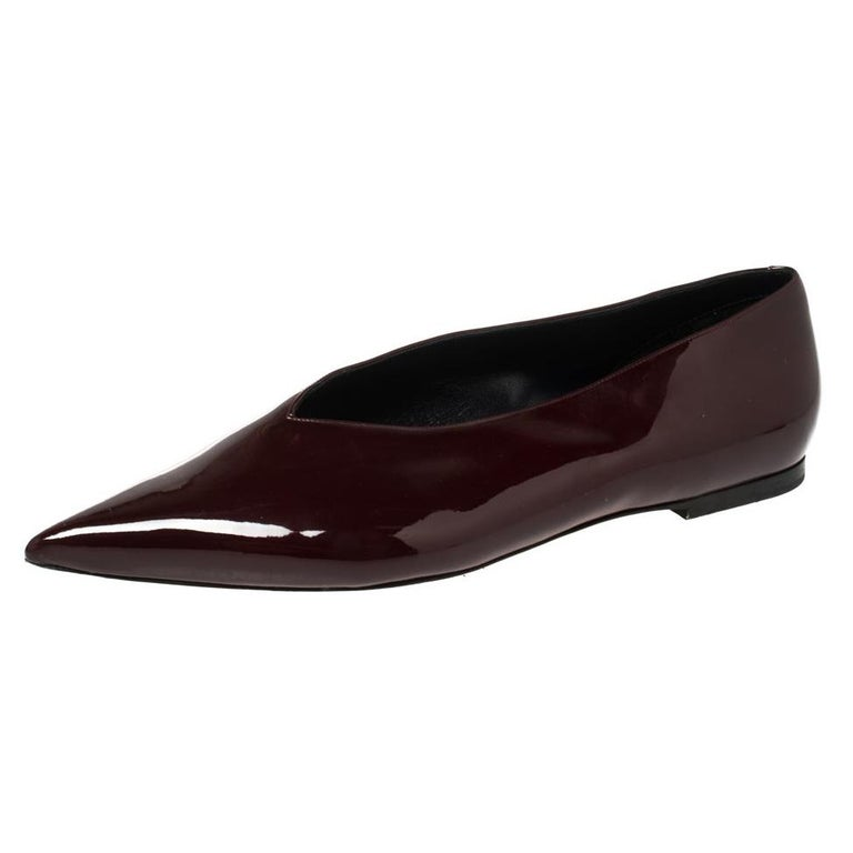Celine Burgundy Patent Leather V Neck Pointed Toe Flats Size 40 For Sale