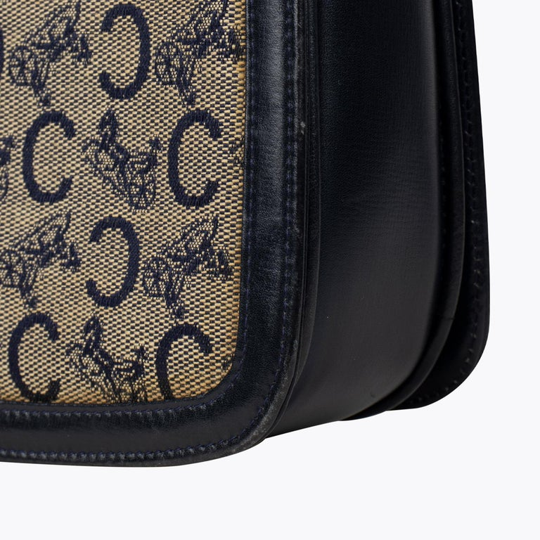 Céline Carriage Flap Bag For Sale 1