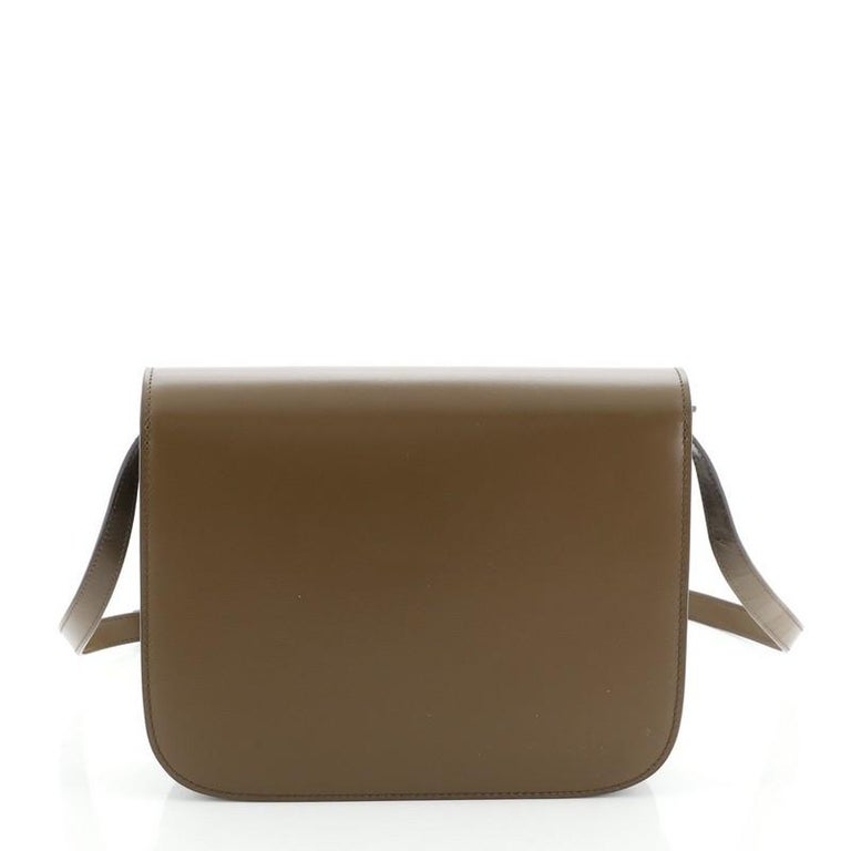 Celine Classic Box Bag Smooth Leather Medium In Good Condition For Sale In New York, NY