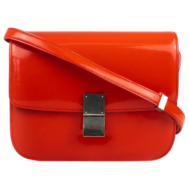 CÉLINE Classic Shoulder bag in Red Patent leather For Sale