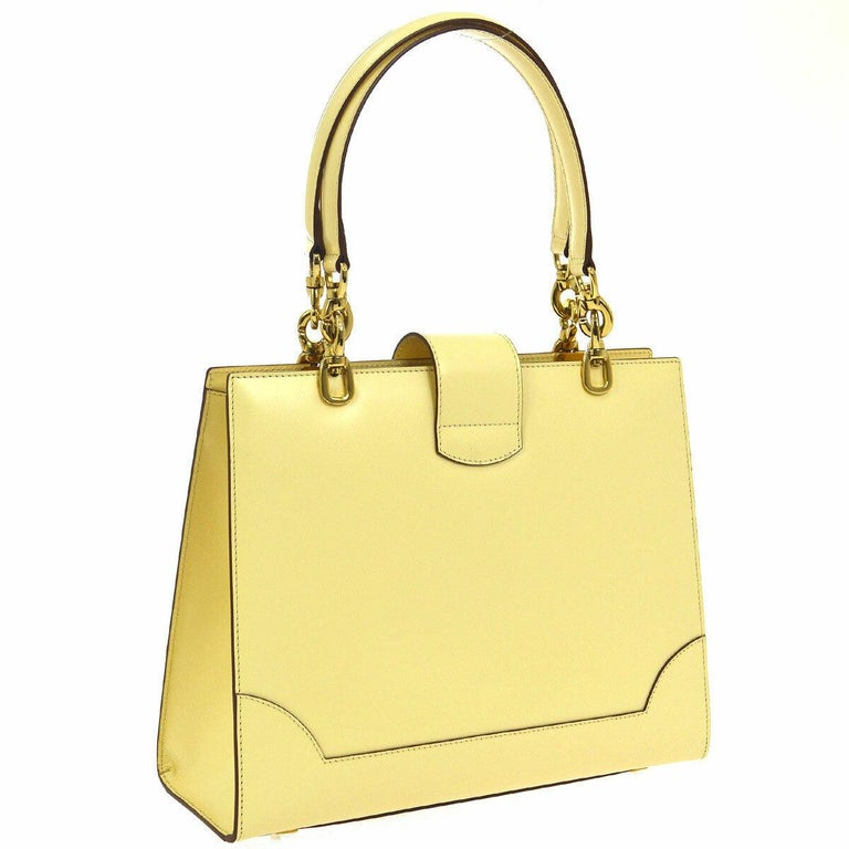 Celine Cream Ivory Leather 2 in 1 Gold Top Handle Satchel Kelly Style Flap Bag In Good Condition For Sale In Chicago, IL