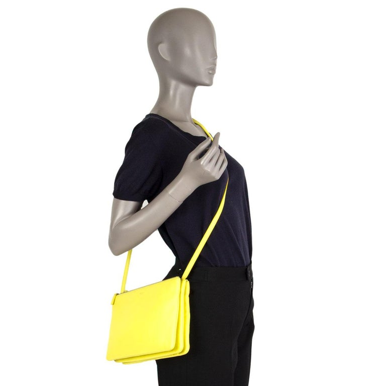 CELINE Fluo yellow leather TRIO LARGE Crossbody Shoulder Bag For Sale 2