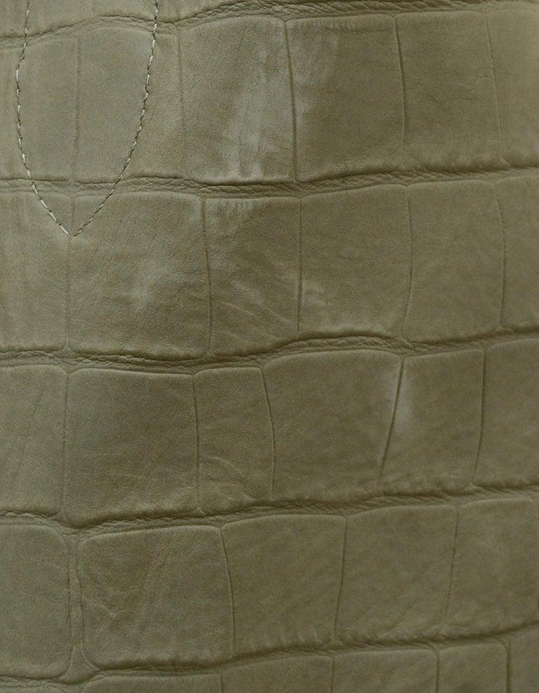 Celine Grey Crocodile Stamped Nubuck Suede Large Phantom Luggage Tote Bag For Sale 2