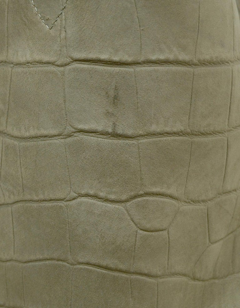 Celine Grey Crocodile Stamped Nubuck Suede Large Phantom Luggage Tote Bag For Sale 3