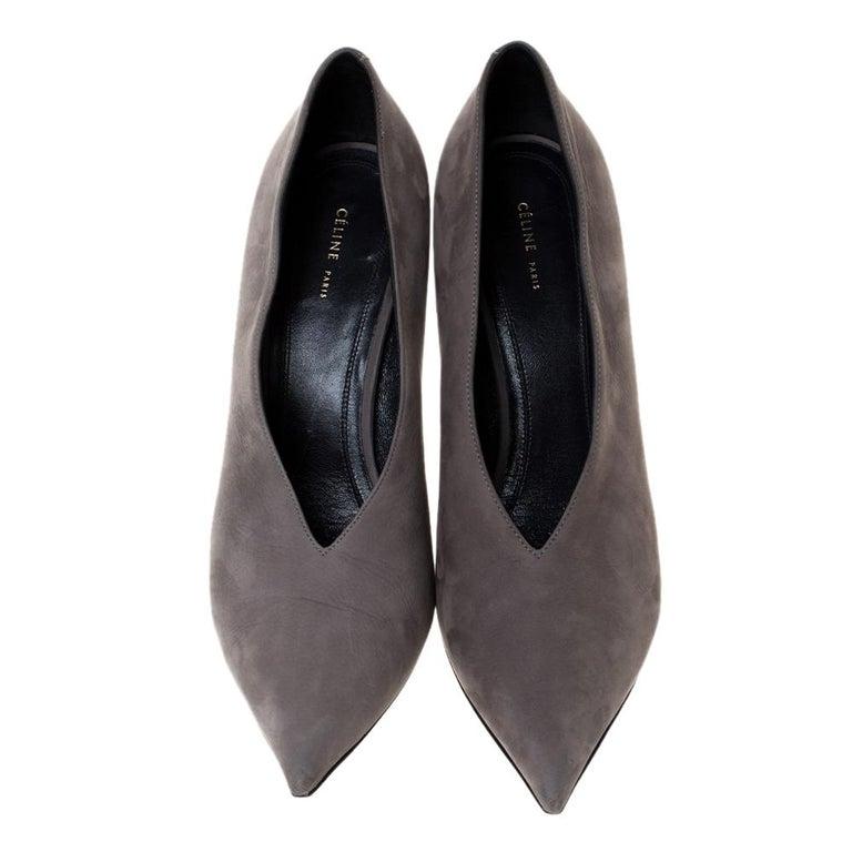 Black Celine Grey Nubuck Leather V Neck Pointed Toe Pumps Size 38.5 For Sale