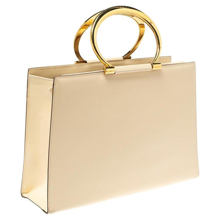 Celine Light Cream Leather Ring Handle Tote In Good Condition For Sale In Dubai, Al Qouz 2