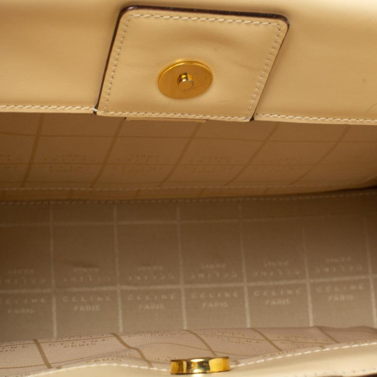 Celine Light Cream Leather Ring Handle Tote For Sale 4